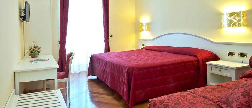 Excelsior Splendide Bedroom.jpg